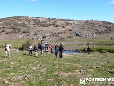 Gente senderista, Parque Natural del Hayedo de Tejera Negra; actividades de montaña
